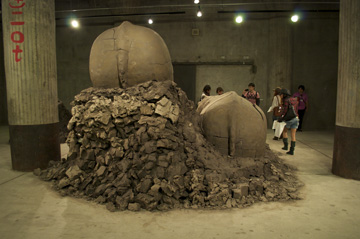 ヨコハマトリエンナーレ2011 Dewar & Gicquel作品