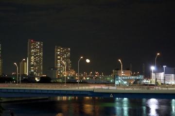 横浜駅東口ペデストリアンデッキ