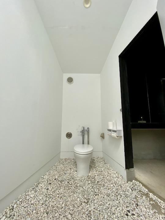ib01 トイレの家/石井大五